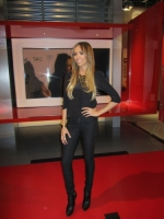 giuliana-rancic-in-levi-top-jan-2011