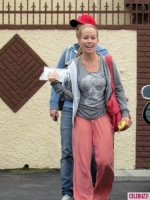 kendra-wilkinson-in-simdog-april-7-2011